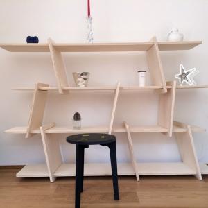 Italic shelf
